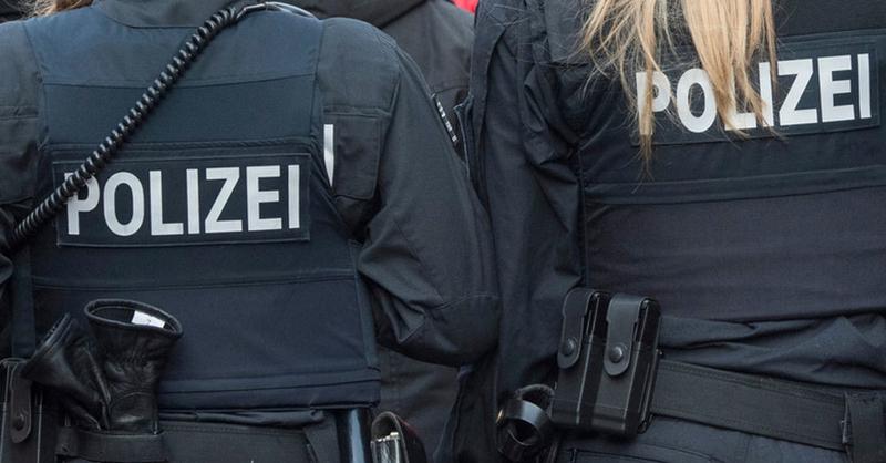 Polizei, Streife, Festnahme, © Boris Rössler - dpa (Symbolbild)