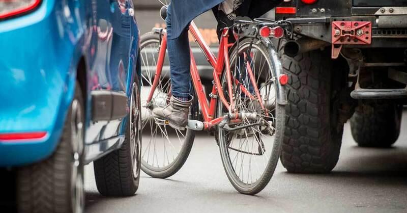 Fahrradfahrer, Verkehr, Unfall, © Alexander Heinl - dpa (Symbolbild)