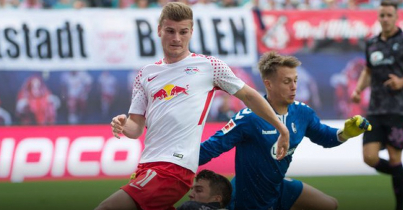 SC Freiburg, RB Leipzig, Alexander Schwolow, Timo Werner, © Sebastian Kahnert - dpa