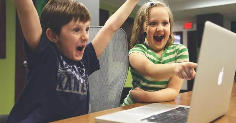 Kinder, Spielen, Lernen, Computer, © Pixabay (Symbolbild)