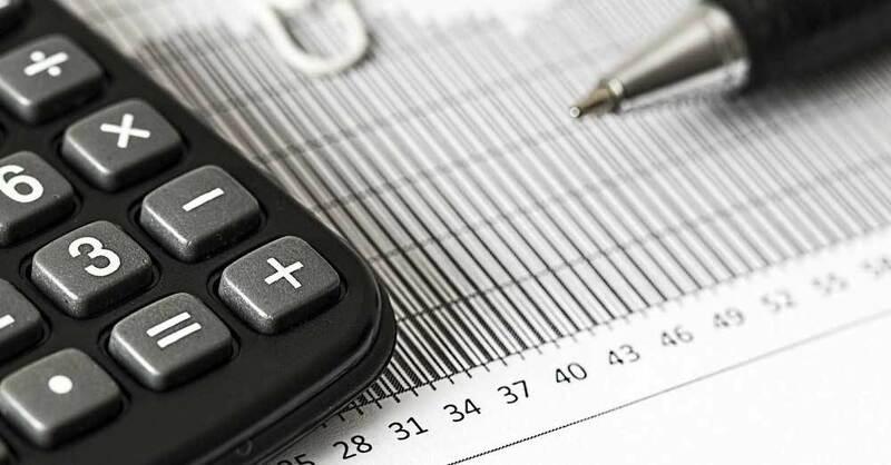 Taschenrechner, Bilanzen, Arbeit, Wirtschaft, © Pixabay (Symbolbild)