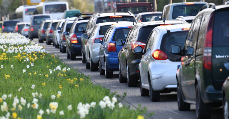 Stau, Verkehr, Frühling, Autos, © Patrick Seeger- dpa (Symbolbild)