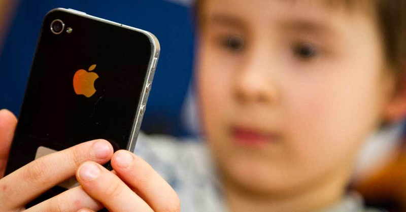 Smartphone, Iphone, Kinder, © Ole Spata - dpa (Symbolbild)