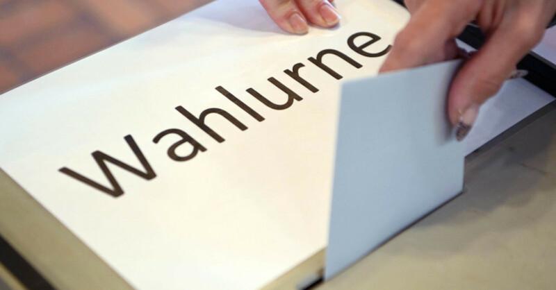 Wahlurne, Stimmzettel, Landtagswahl, Wahl, © Uli Deck - dpa (Symbolbild)