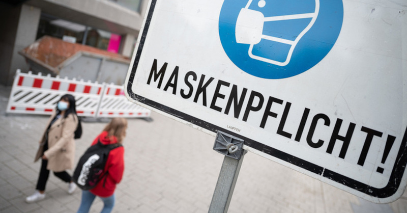 Maskenpflicht, Innenstadt, Mund-Nasen-Schutz, Pandemie, Coronavirus, © Sebastian Gollnow - dpa (Symbolbild)