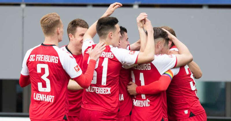 SC Freiburg, Mannschaft, Torjubel, Fußball, Bundesliga, © Tom Weller - dpa