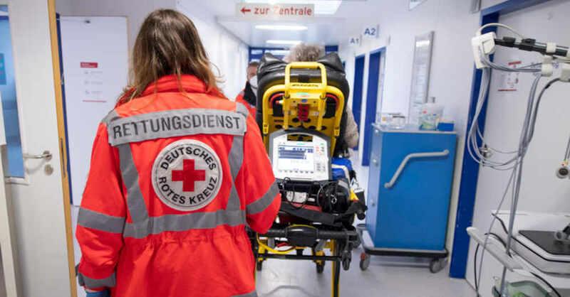Rettungsdienst, Krankenhaus, Notaufnahme, Klinik, Deutsches Rotes Kreuz, © Boris Rössler - dpa (Symbolbild)