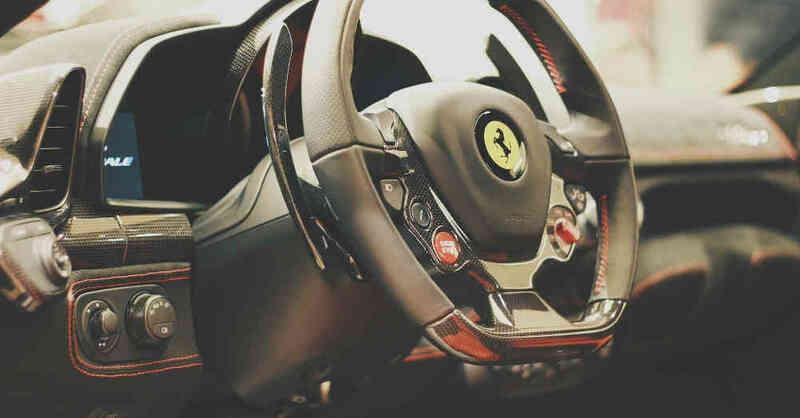 Luxusauto, Lenkrad, Sportwagen, Ferrari, © Pixabay (Symbolbild)
