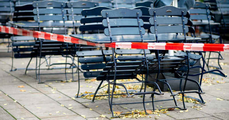 Gastronomie, Außengastronomie, Stühle, Tische, Biergarten, Lockdown, Coronakrise, © Hauke-Christian Dittrich - dpa (Archivbild)