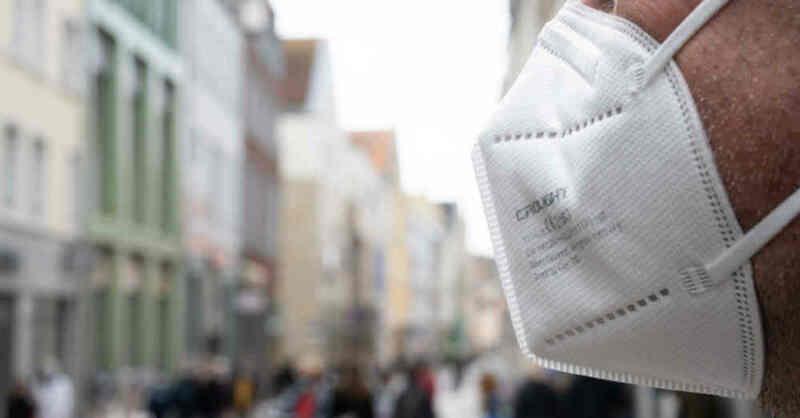 Maskenpflicht, Innenstadt, Fußgängerzone, FFP2-Maske, Coronavirus, © Stefan Sauer - dpa (Symbolbild)
