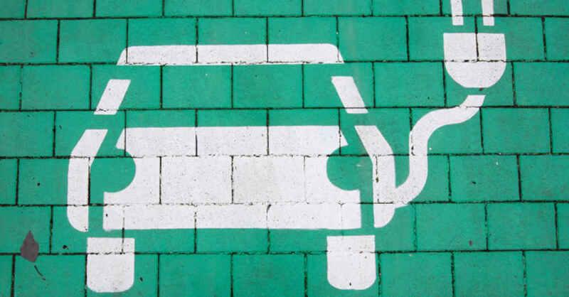 Ladestation, Ladesäule, Elektroauto, Elektromobilität, © Julian Stratenschulte - dpa (Symbolbild)