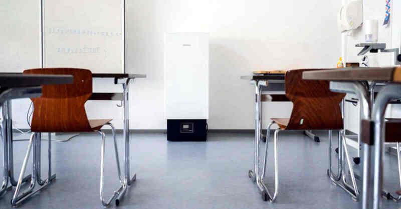 Luftfilter, Klassenzimmer, Unterricht, Schule, Coronavirus, Aerosole, © Julian Stratenschulte - dpa (Symbolbild)