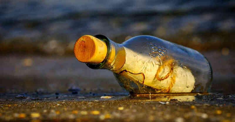 Flaschenpost, Schatzkarte, Wasser, Fluss, Rhein, Glasflasche, © Pixabay (Symbolbild)