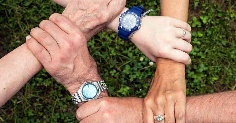 Teamgeist, Engagement, Ehrenamt, Hände, Generationen, Demographie, © Pixabay (Symbolbild)