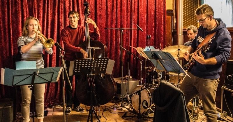 """Kultur-Vor-Mittag: """"Jonas Sisters – poppin' & crunchin' jazz"""", © © Veranstalter"""