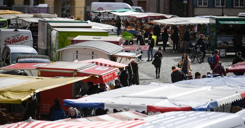 Freiburg, Münstermarkt, Marktstände, © Patrick Seeger - dpa