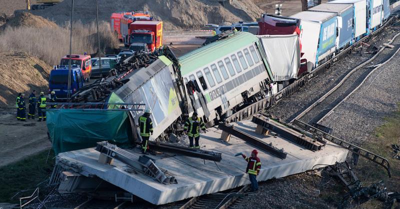 Zugunglück, Auggen, Rheintalbahn, Bergungsarbeiten, © Patrick Seeger - dpa