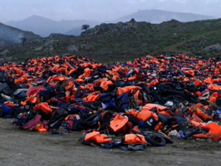 Rettungswesten auf Lesbos, © Christoph Rive