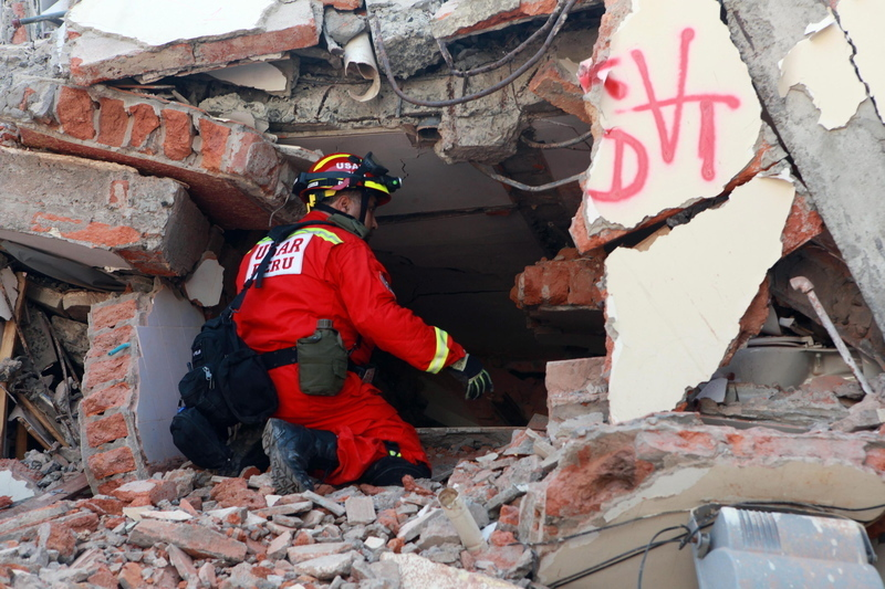 Erdbeben, Ecuador, Spenden, Mira Freiburger, © Escobar Mora-dpa
